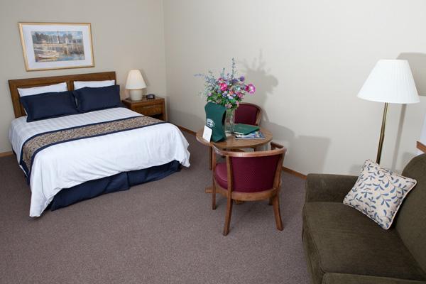 water bedroom pine grove resort door county rooms
